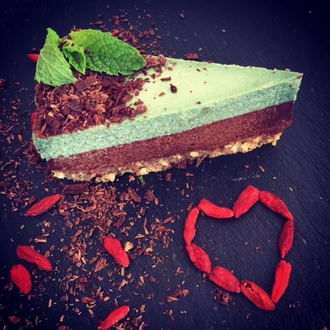 Raw Vegan Chocolate Mint Cheesecake