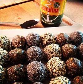 Spirulina Raw Protein Balls
